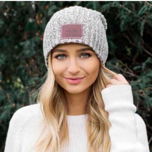 Love Your Melon Accessories - NWOT Love Your Melon Black Speckled Beanie ea7bf690663